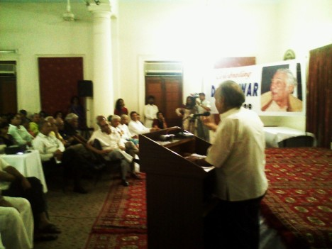 Dr Badar at Memorial mtg at PMA, Karachi May 31, 2009