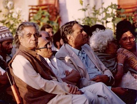 Left to right: Ali Sardar Jafri, Fakhruddin G. Ebrahim, Dr Sarwar, Ismat Chughtai, Zakia Sarwar. Photo: S.M. Shahid