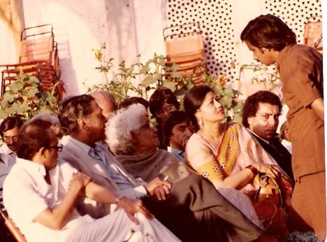 L-r: Fakhruddin G. Ebrahim, Dr Sarwar, Ismat Chughtai, Zakia Sarwar, Suroor Barabankvi; standing: Mujahid Barelvi. Photo: S.M. Shahid